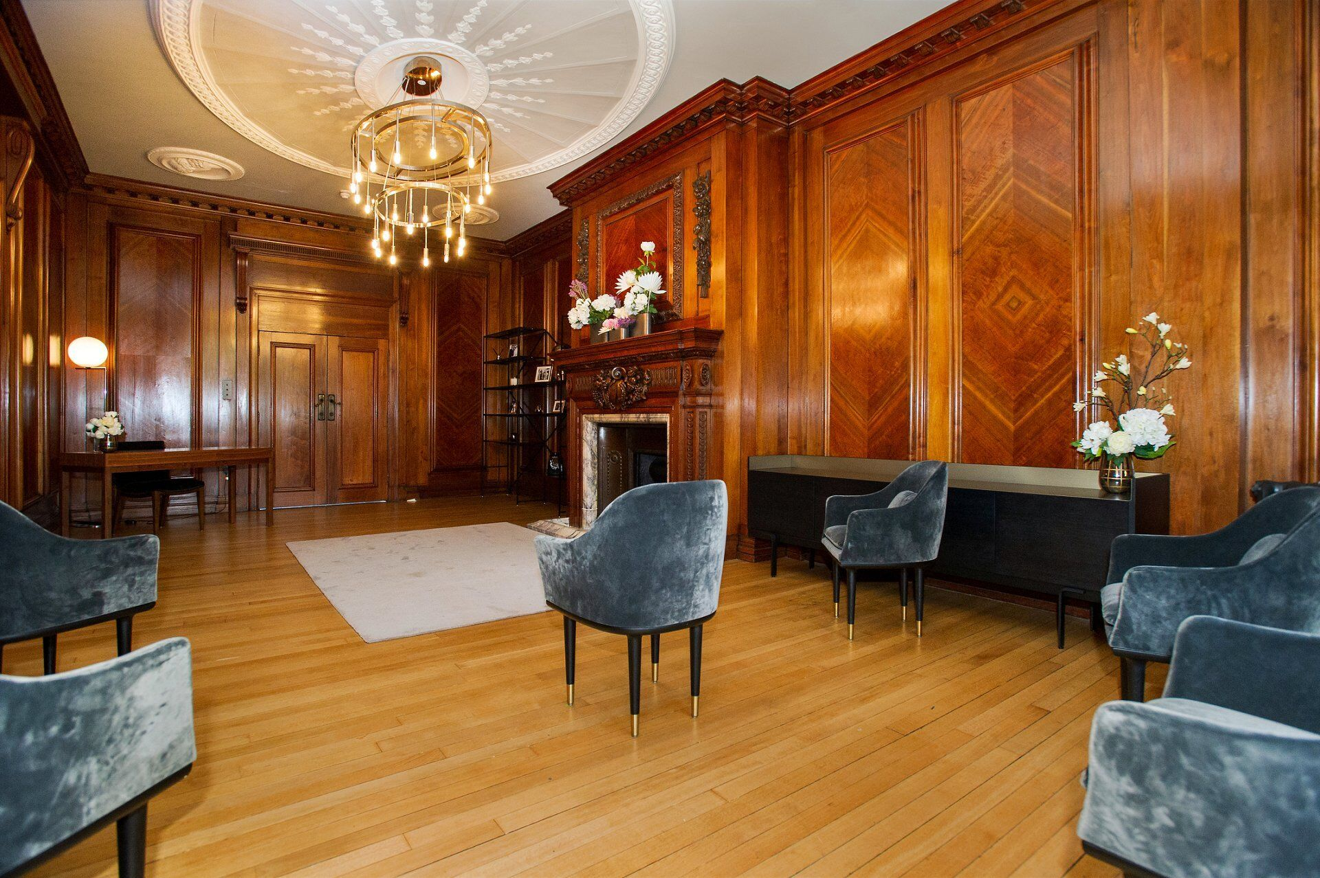 marylebone register office and the paddington room laid out for a maximum of 6 guests under new covid 19 rules