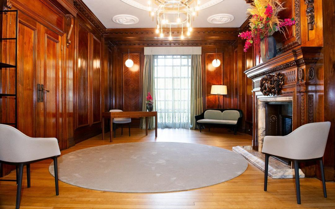 marylebone-room-revised-layout-october-2020-6-guests-small-wedding-venue-london