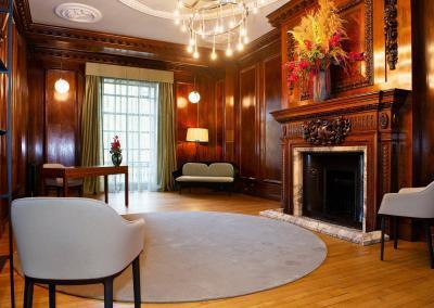 stunning-intimate-wedding-venue-marylebone-room-elegant-stylish